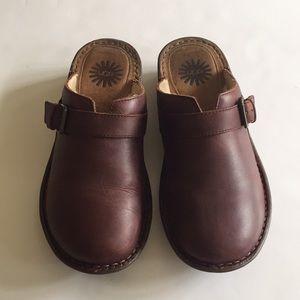 Ugg Bridgen Leather Sheepskin Mules